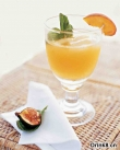 桃子玛格丽特 Peach Margaritas with Peach Wedges